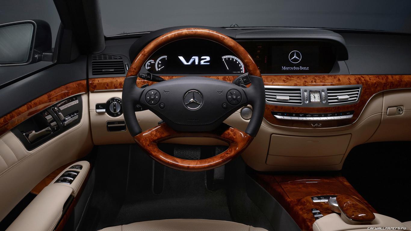 Фото салон авто Mercedes, скачать в высоком разрешении, руль, кресла, приборная доска
