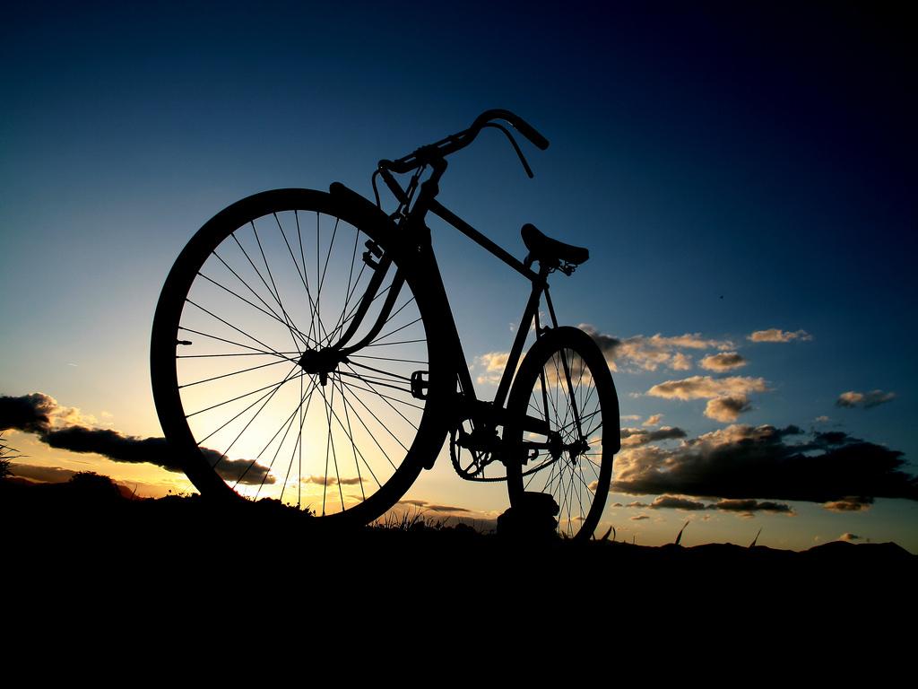 Велосипед, закат, обои на рабочий стол