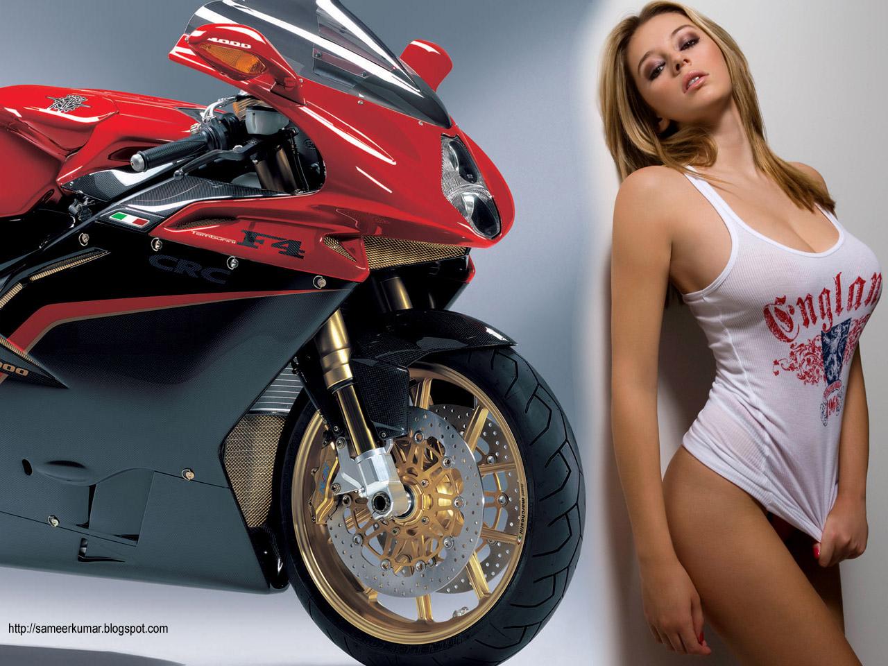Красный байк и красивая девушка