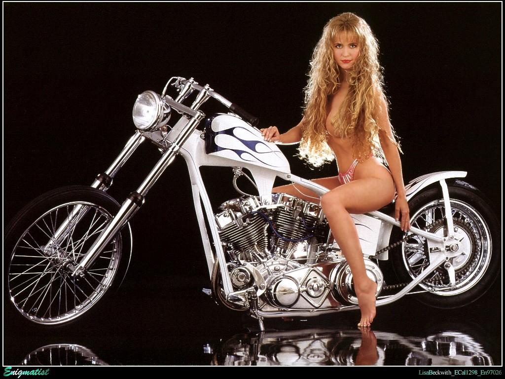 Девушка и байк, мотоцикл
