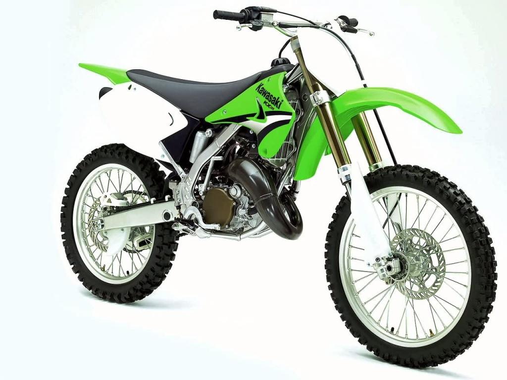 Зеленый кроссовый байк, мотоцикл