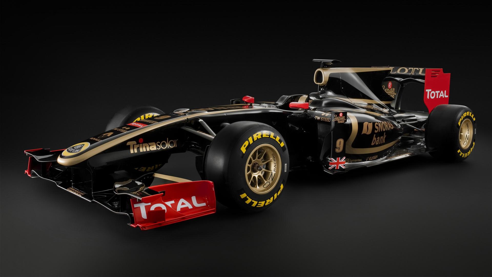 Черный болид формулы-1, гонки.машина