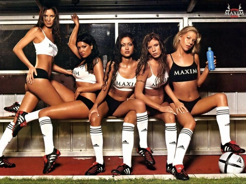 Девушки, футбол, обои для рабочего стола, фото