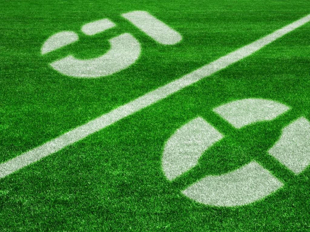 Футбол, трава, футбольное поле, фото, обои на рабочий стол