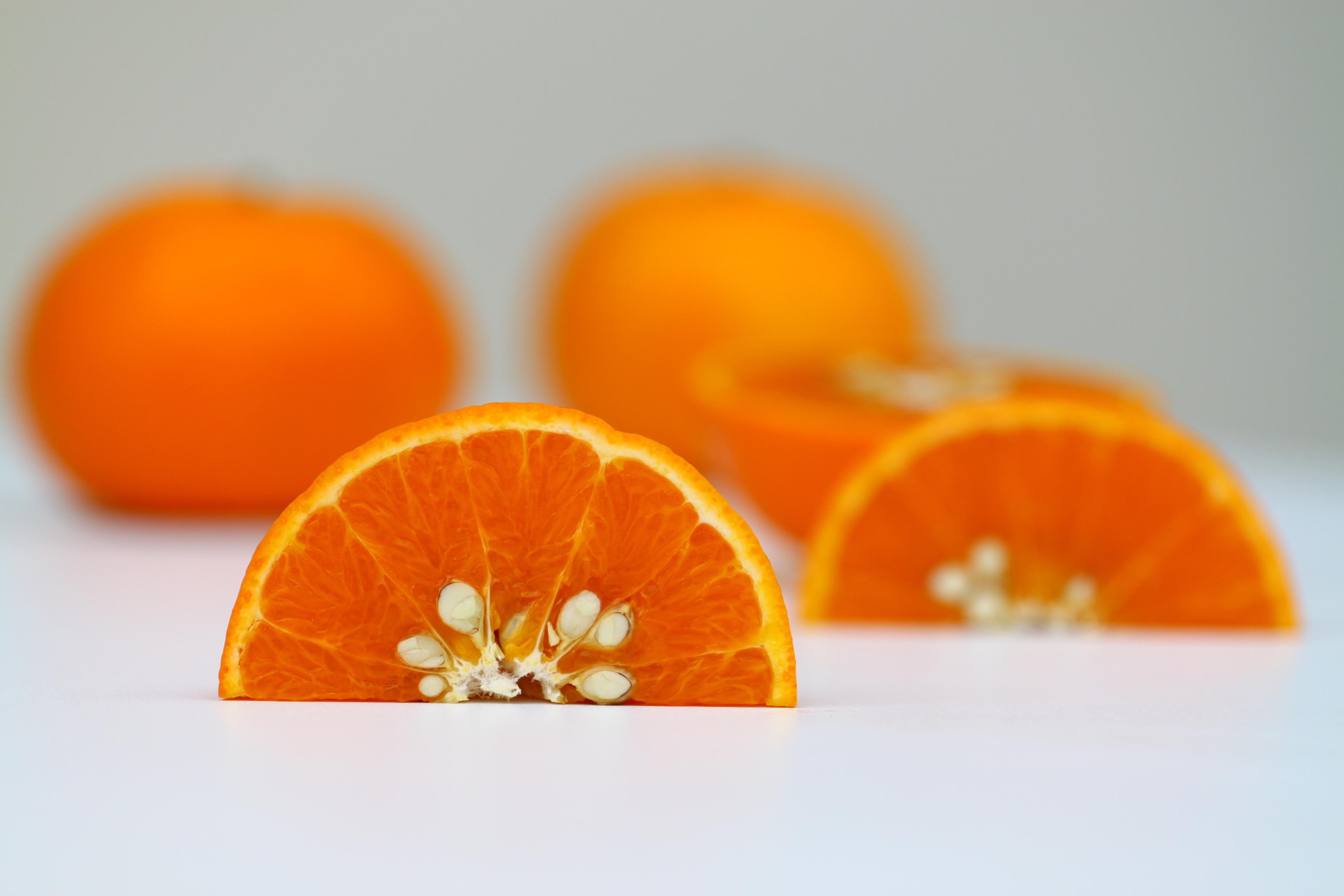 Разрезанный апельсин, фото, обои для рабочего стола