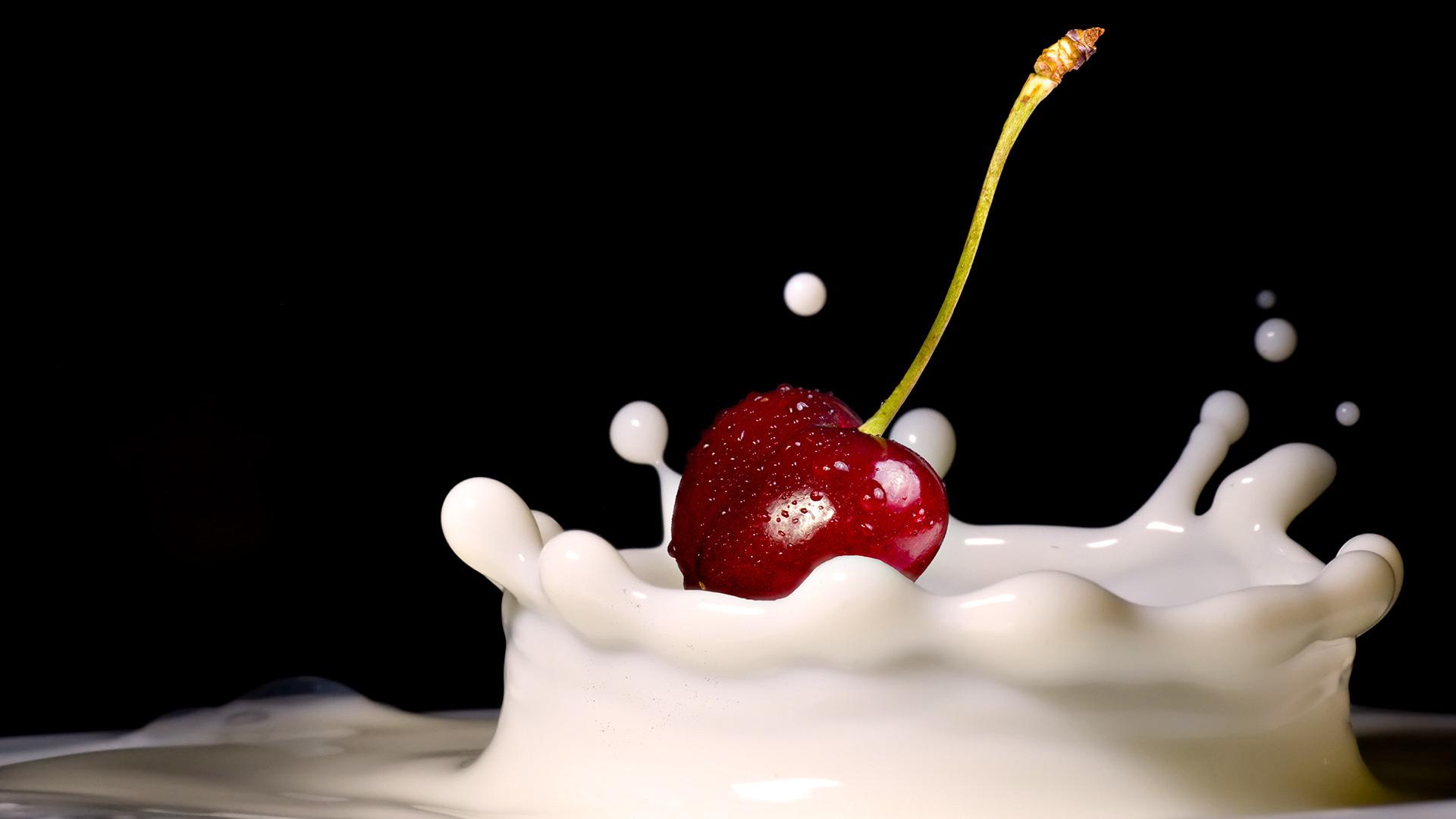 вишенка в сливках, вишня, фото, обои на рабочий стол
