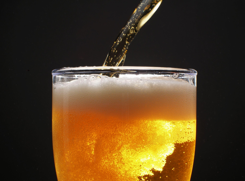 стакан пива, фото, пенистое и игристое