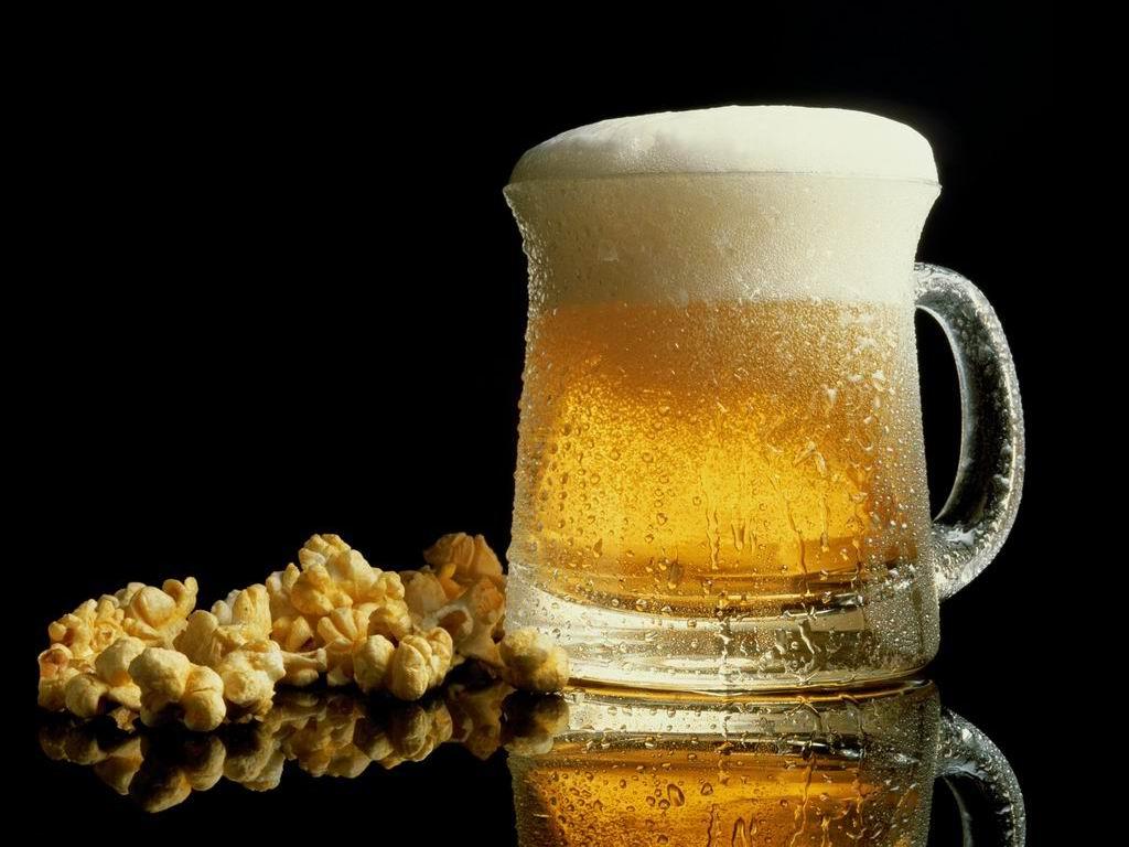 кружка пива, фото, пиво с закуской, обои на рабочий стол