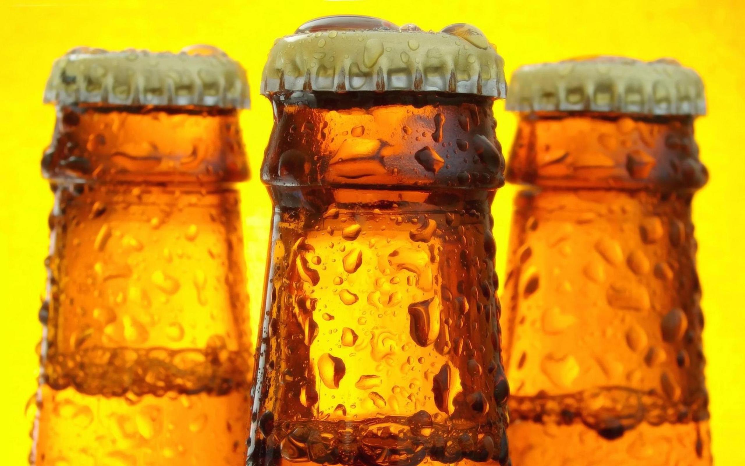 пиво, бутылки, фото, обои для рабочего стола