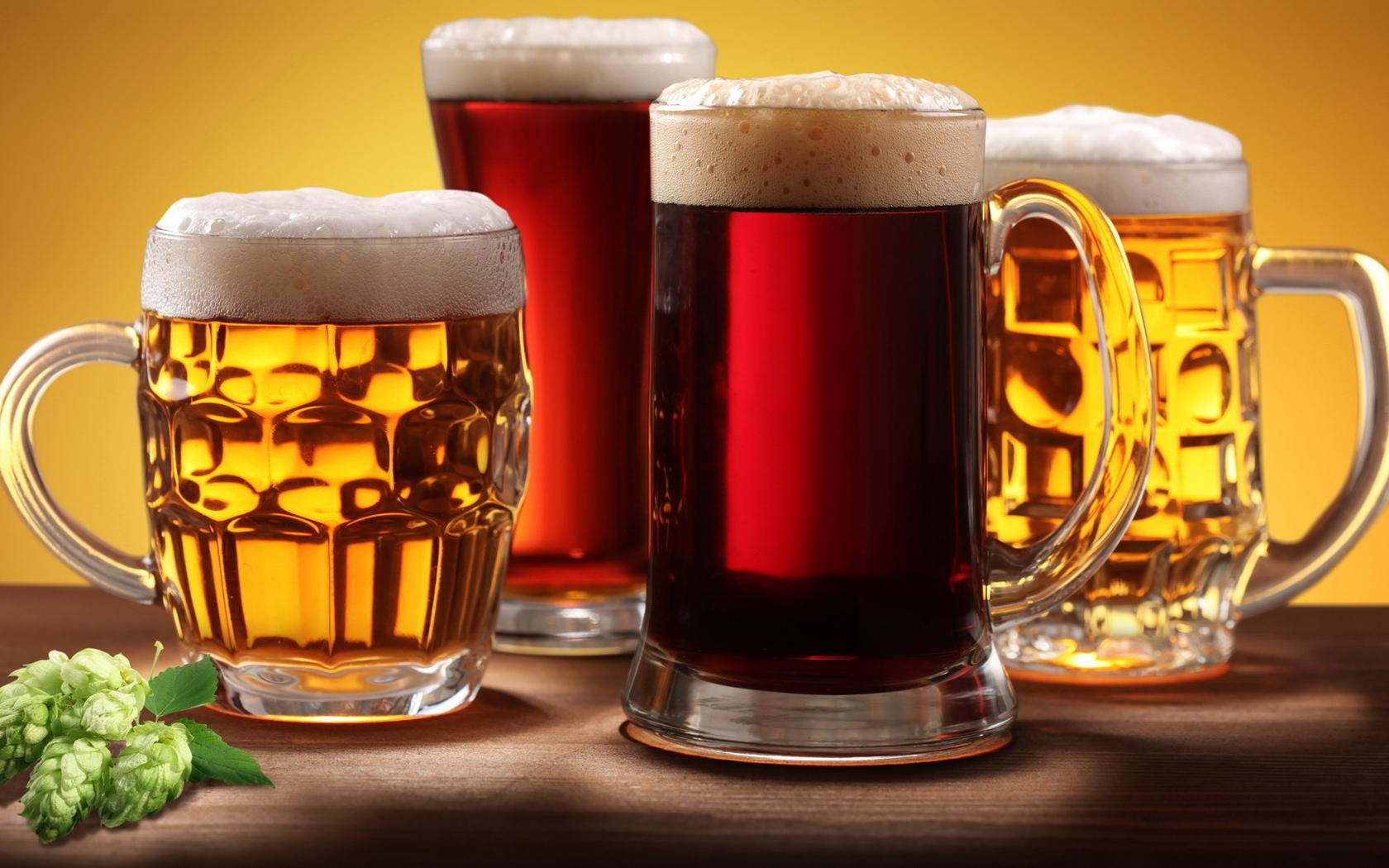 пиво в кружках, фото, обои для рабочего стола