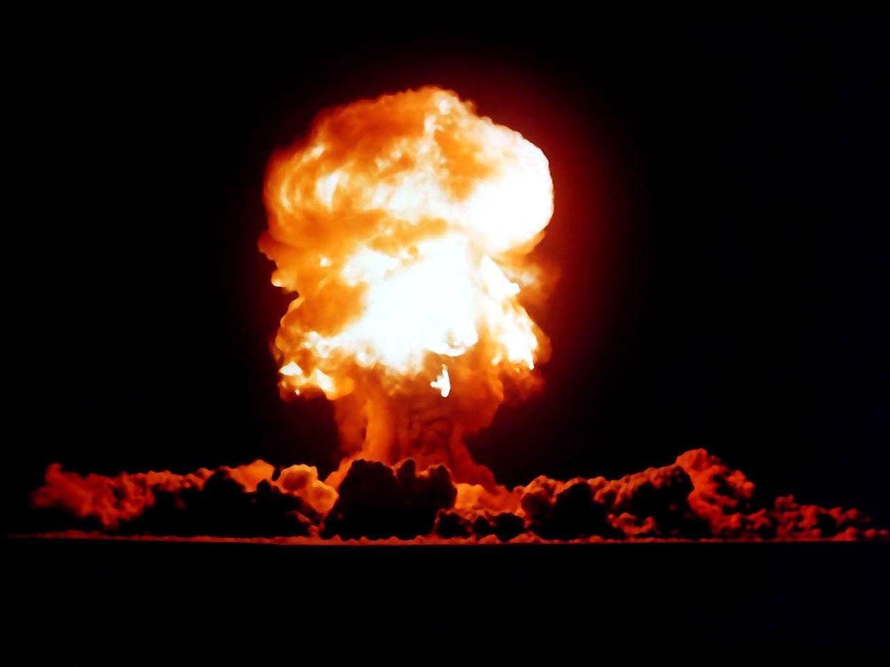 атомная бомба, взрыв фото, скачать бесплатно