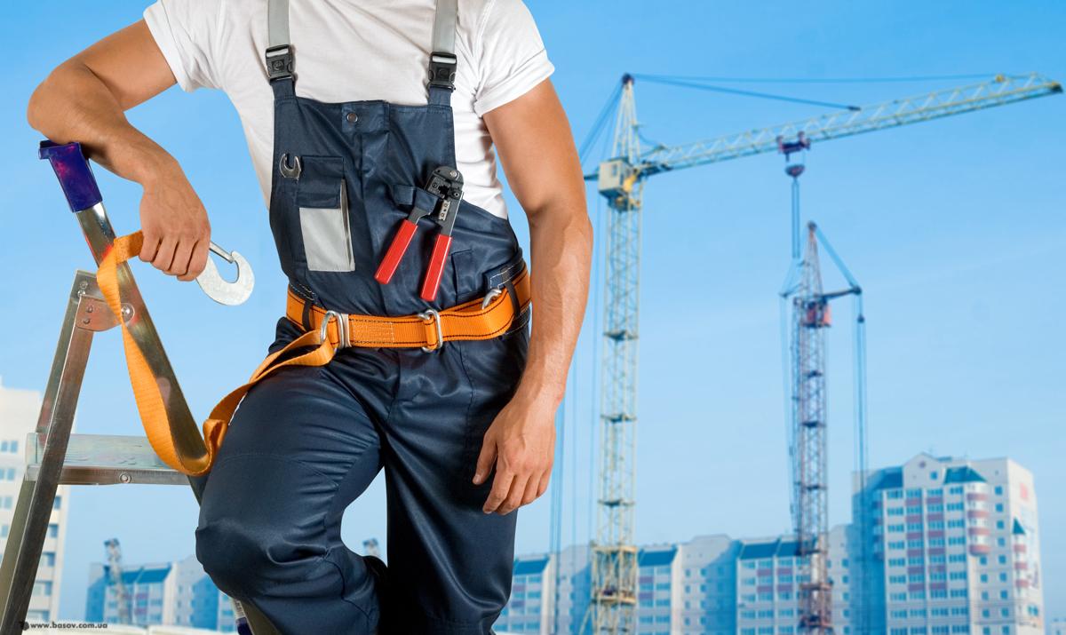 строитель на лестнице, фото, обои для рабочего стола