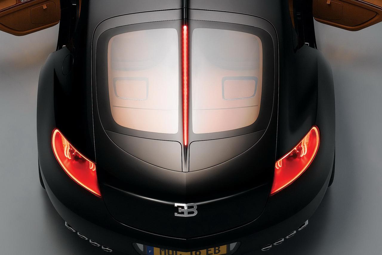 Задняя часть машины Bugatti, car, wallpaper, скачать фото обои на рабочий стол