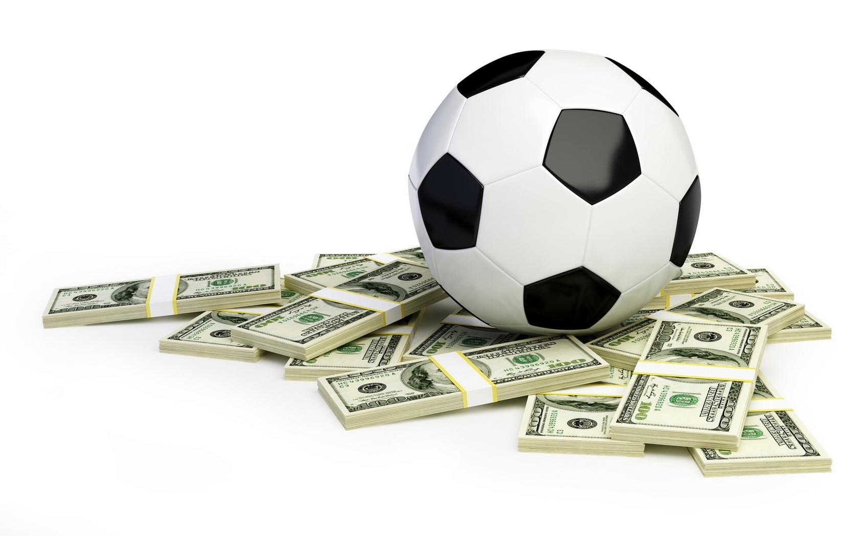 футбольный мяч и доллары, обои для рабочего стола, скачать фото