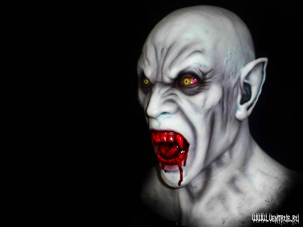 страшный вампир, кровь, клыки, оскал, обои для рабочего стола