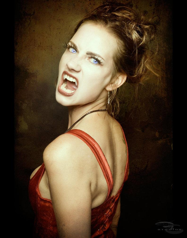вампирша, красивая девушка вампир, обои для рабочего стола, скачать фото