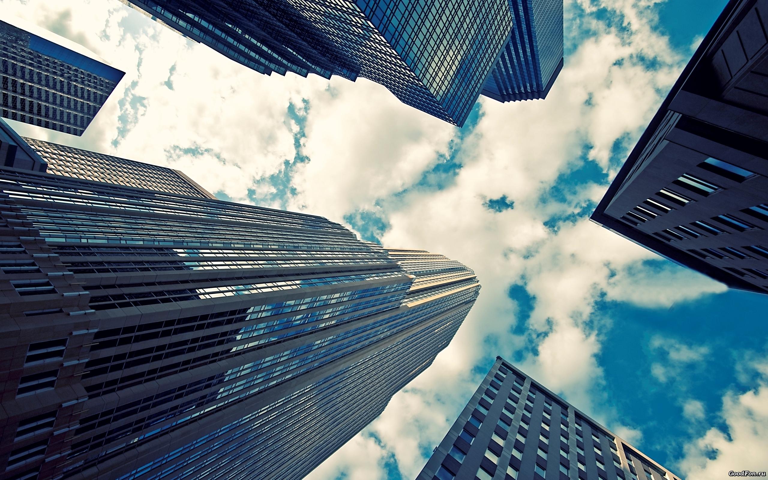 небо, облака, высотные здания, скачать обои для рабочего стола
