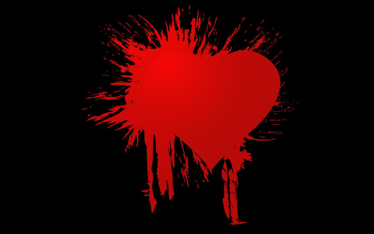 сердце клякса из красной краски на черном фоне, скачать фото, обои для рабочего стола
