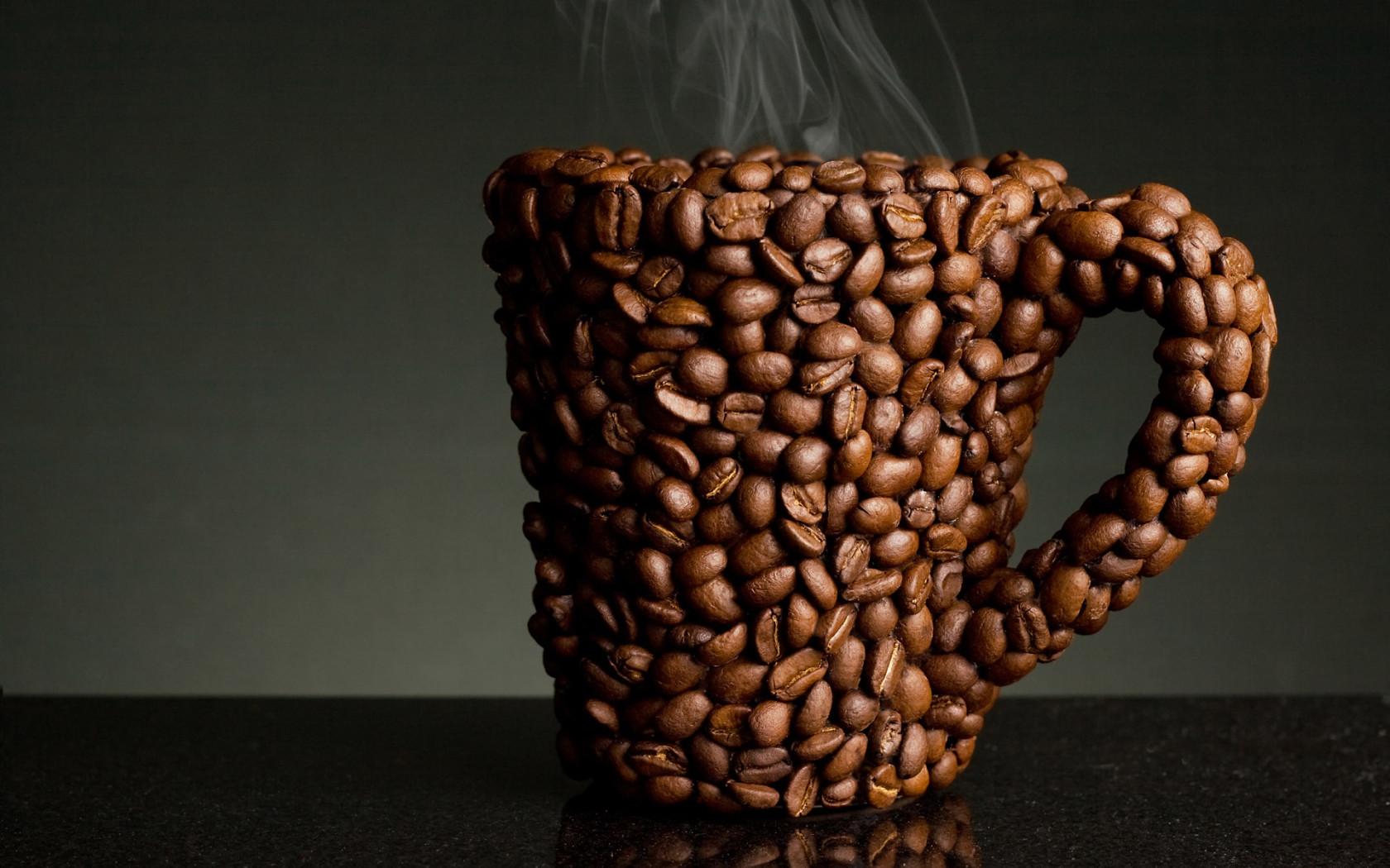 кружка кофе из кофейных зерен, скачать фото, обои для рабочего стола