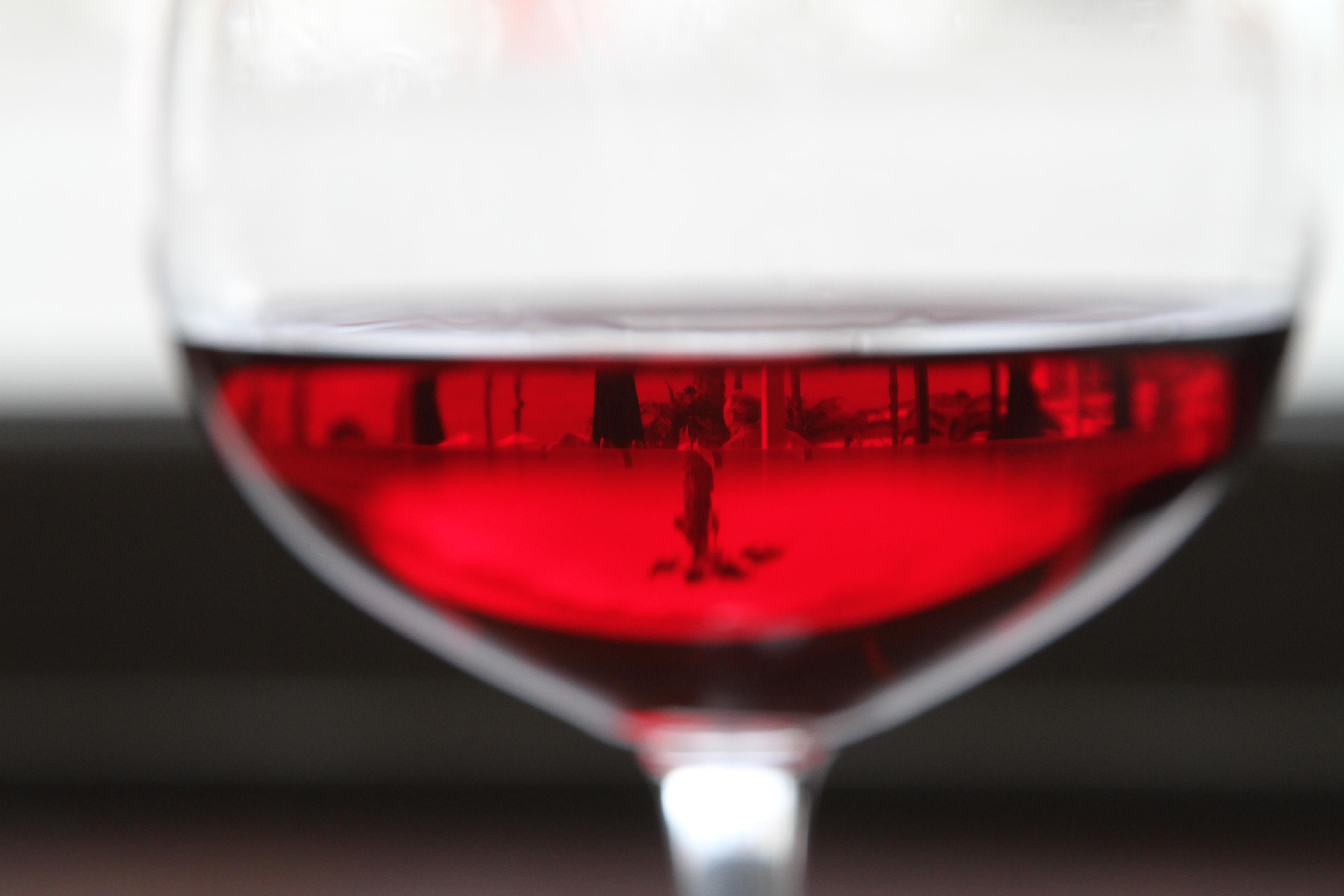 фужер красного вина, скачать фото