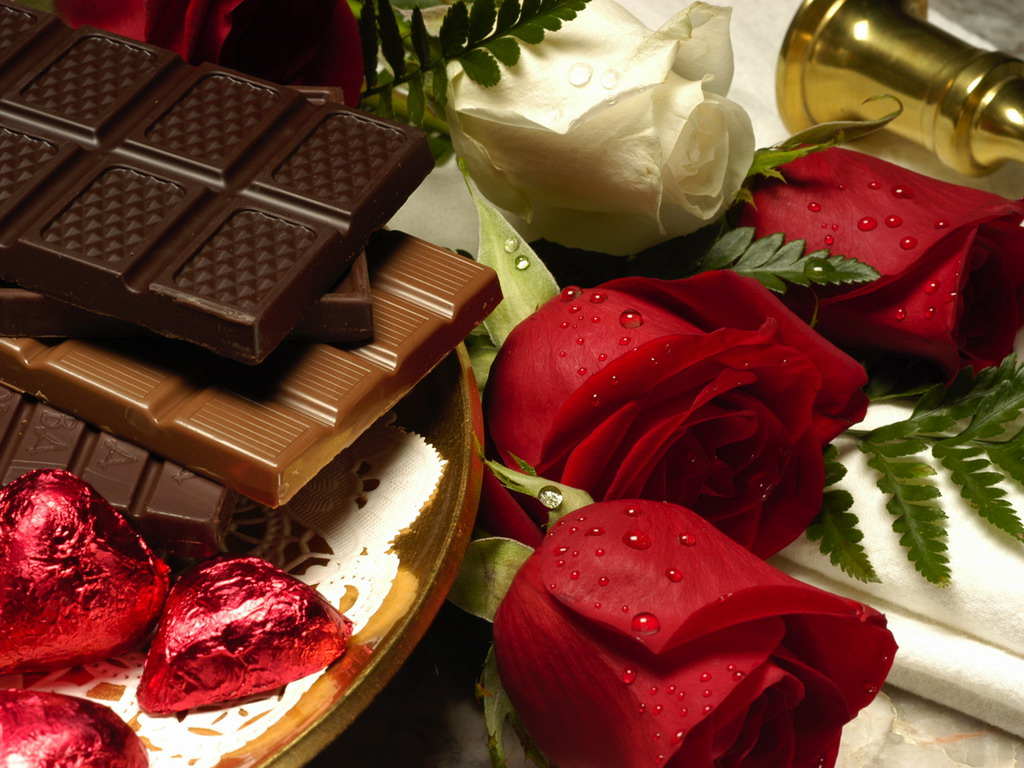 красные розы и шоколад, скачать фото, обои для рабочего стола