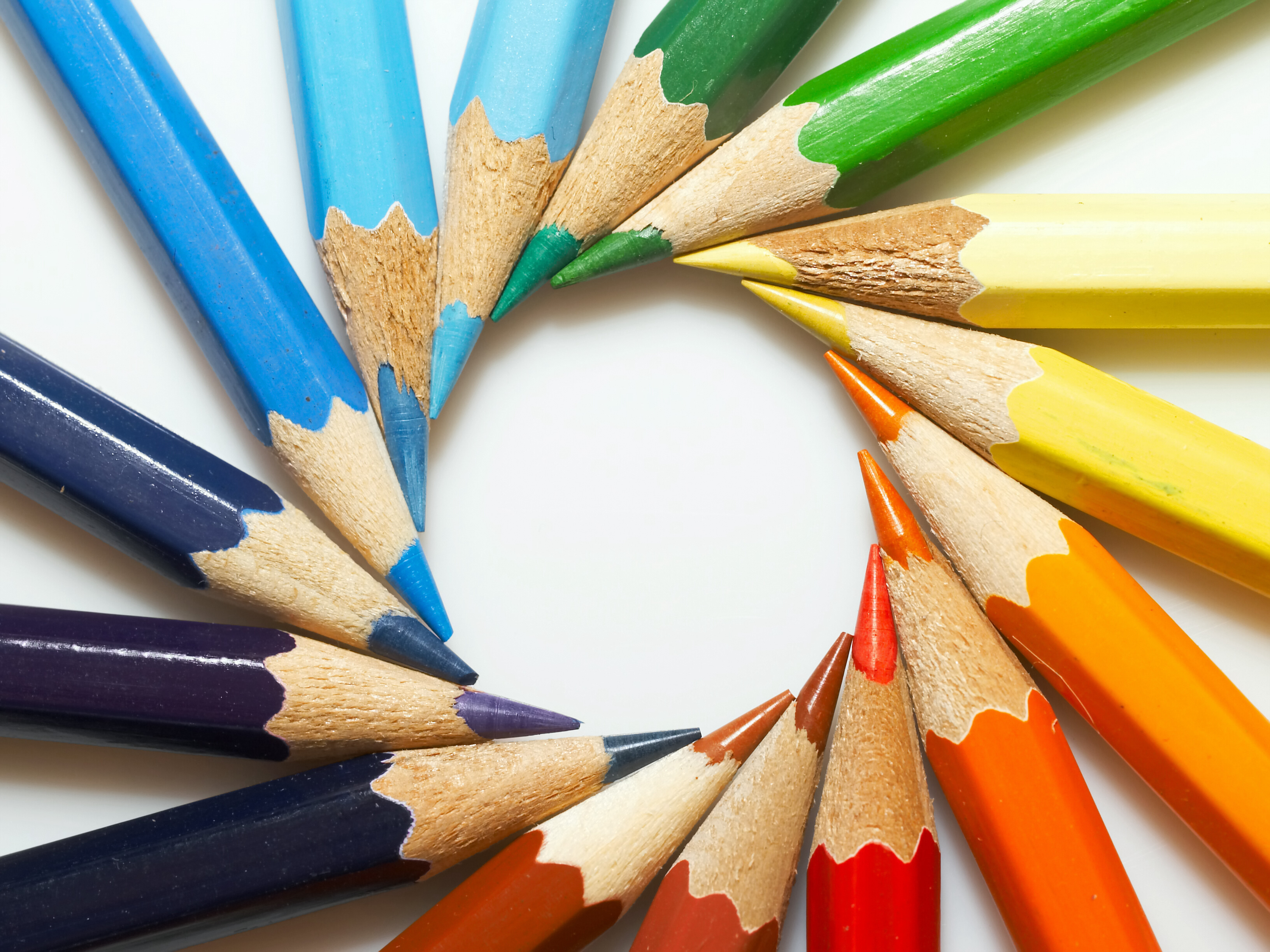 цветные карандаши всех цветов радуги, скачать фото, обои для рабочего стола, радуга