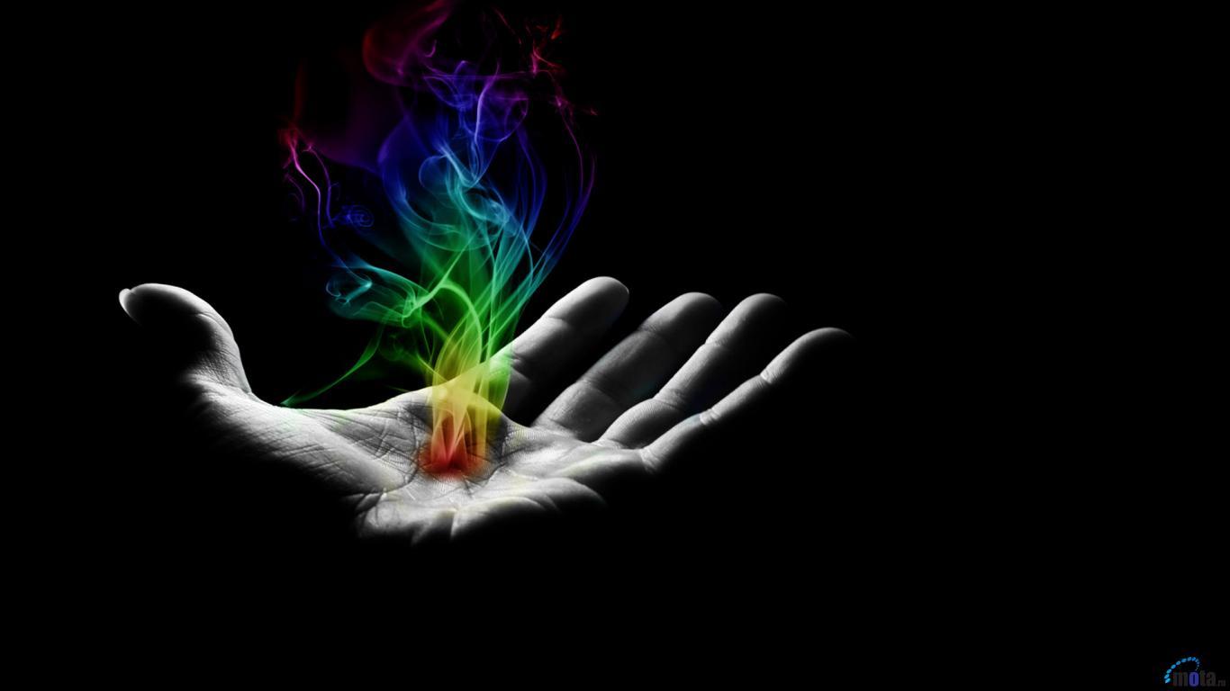 рука на черном фоне, скачать фото, радужный дым, обои для рабочего стола