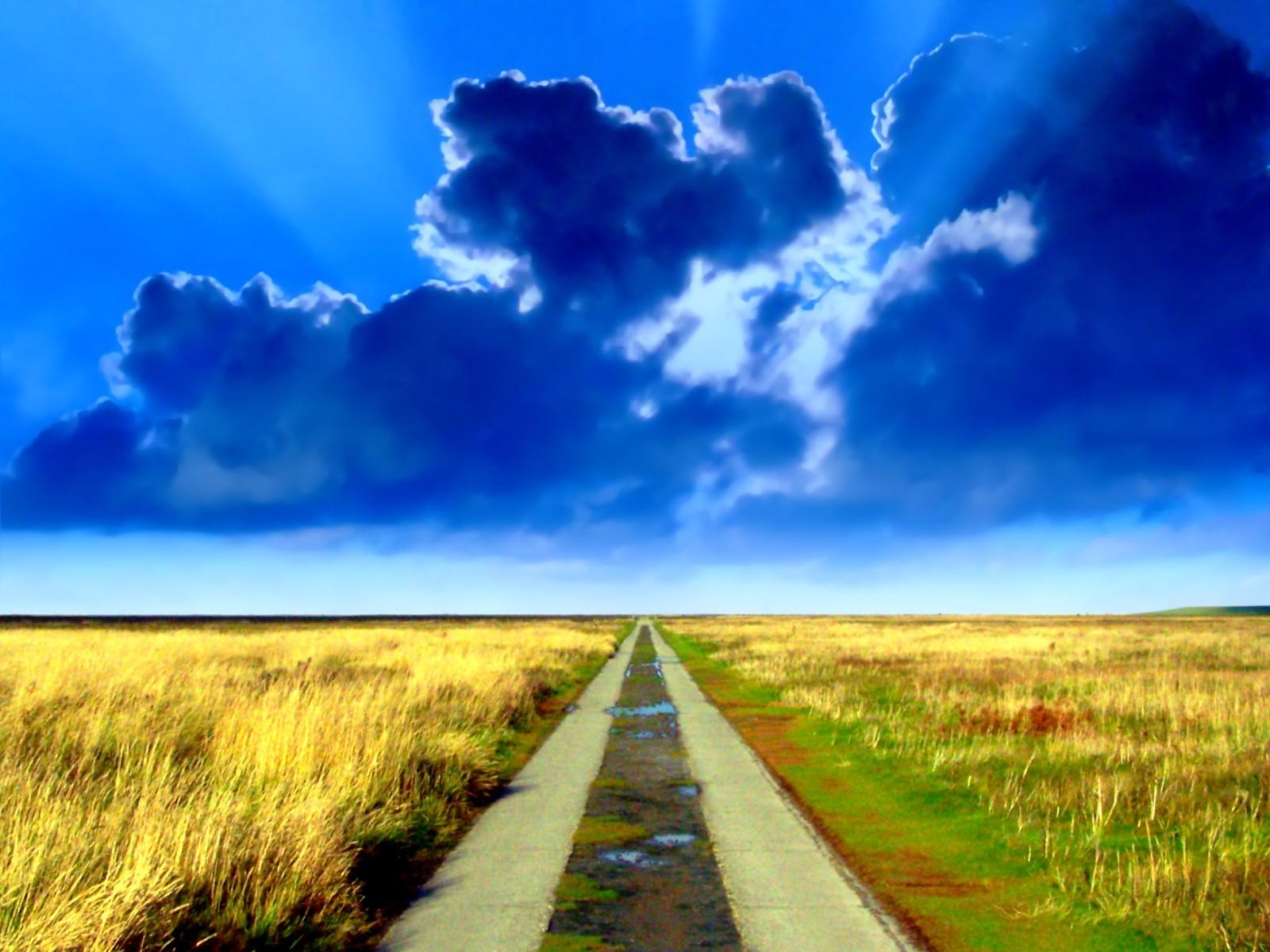 сельская грунтовая дорога, скачать фото, красивое синее небо, обои для рабочего стола