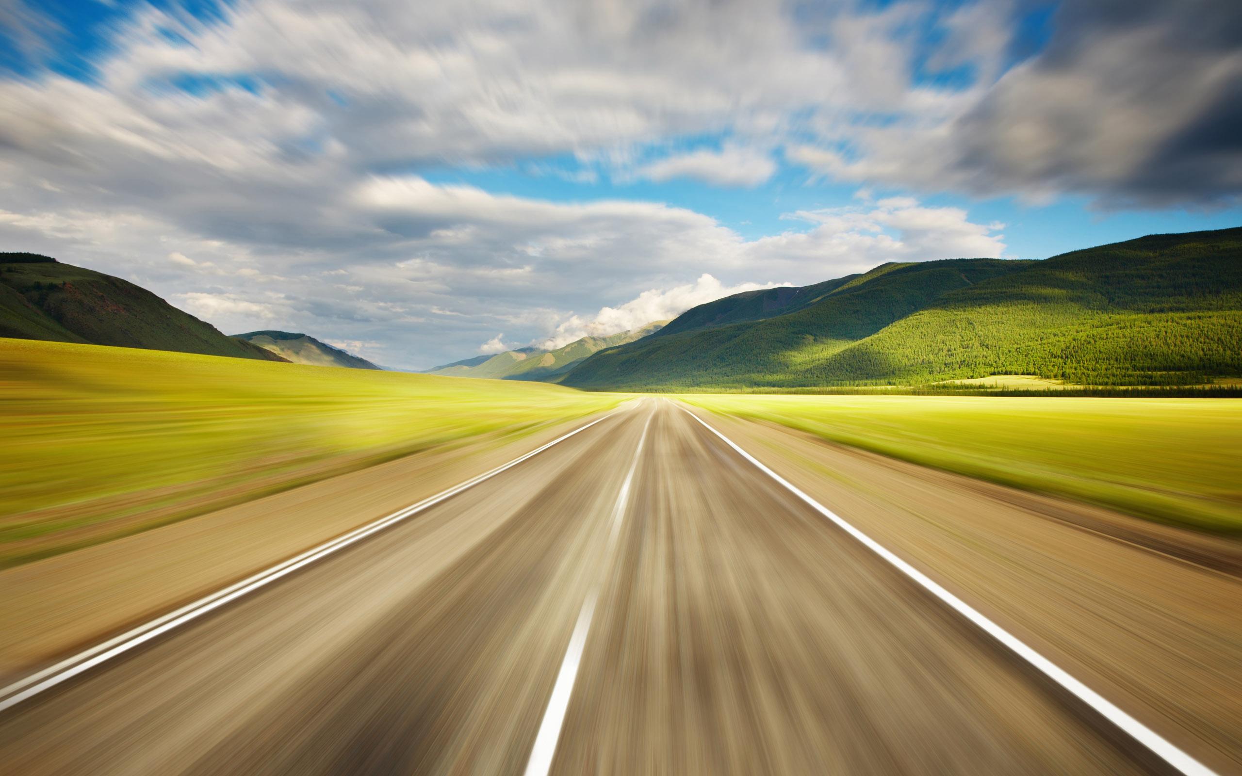 прямая асфальтова дорога, белая дорожная разметка, скачать фото, обои на рабочий стол, road wallpaper