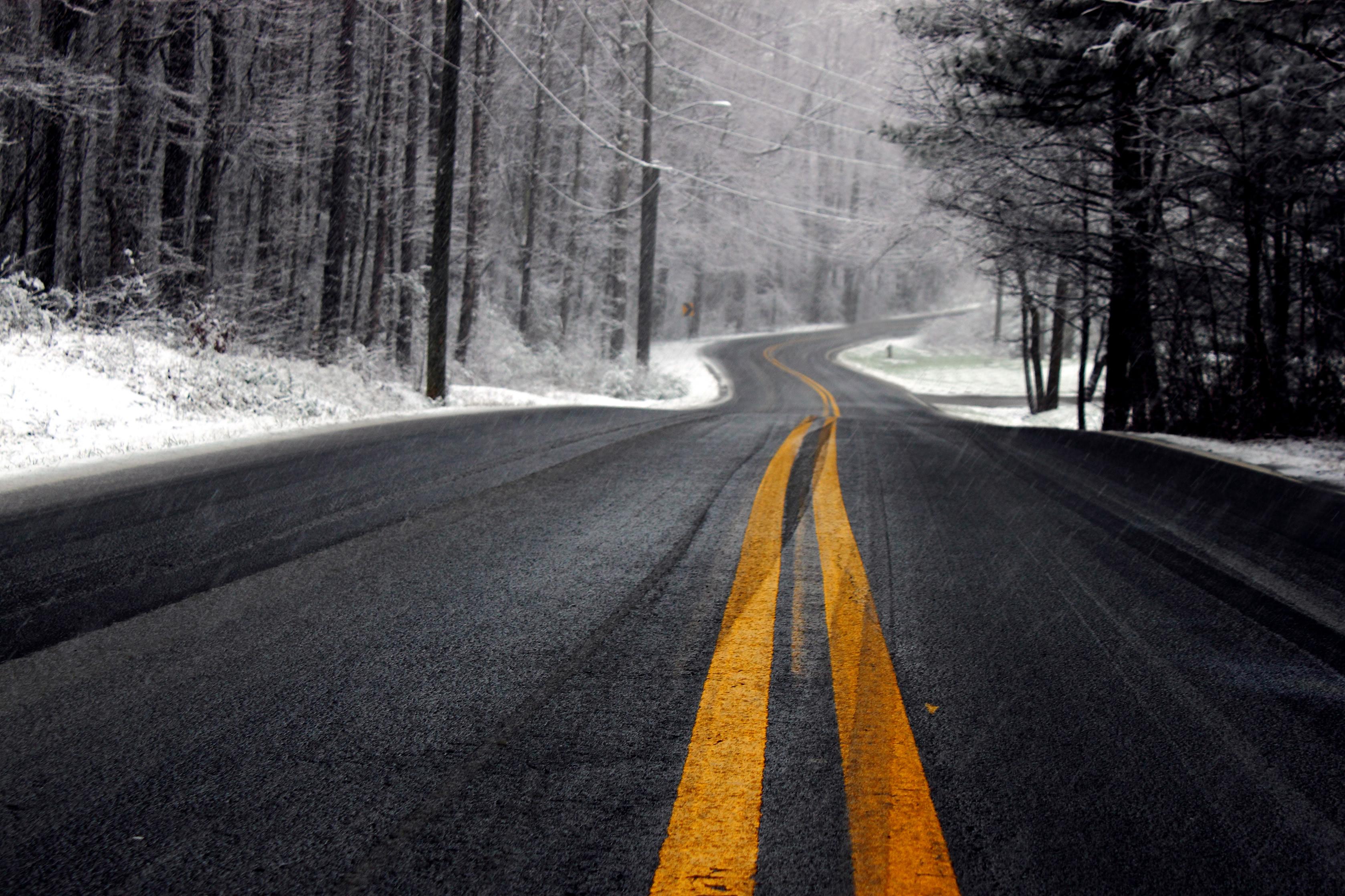 Зимняя дорога, разметка, полоса, асфальт, скачать фото, обои для рабочего стола