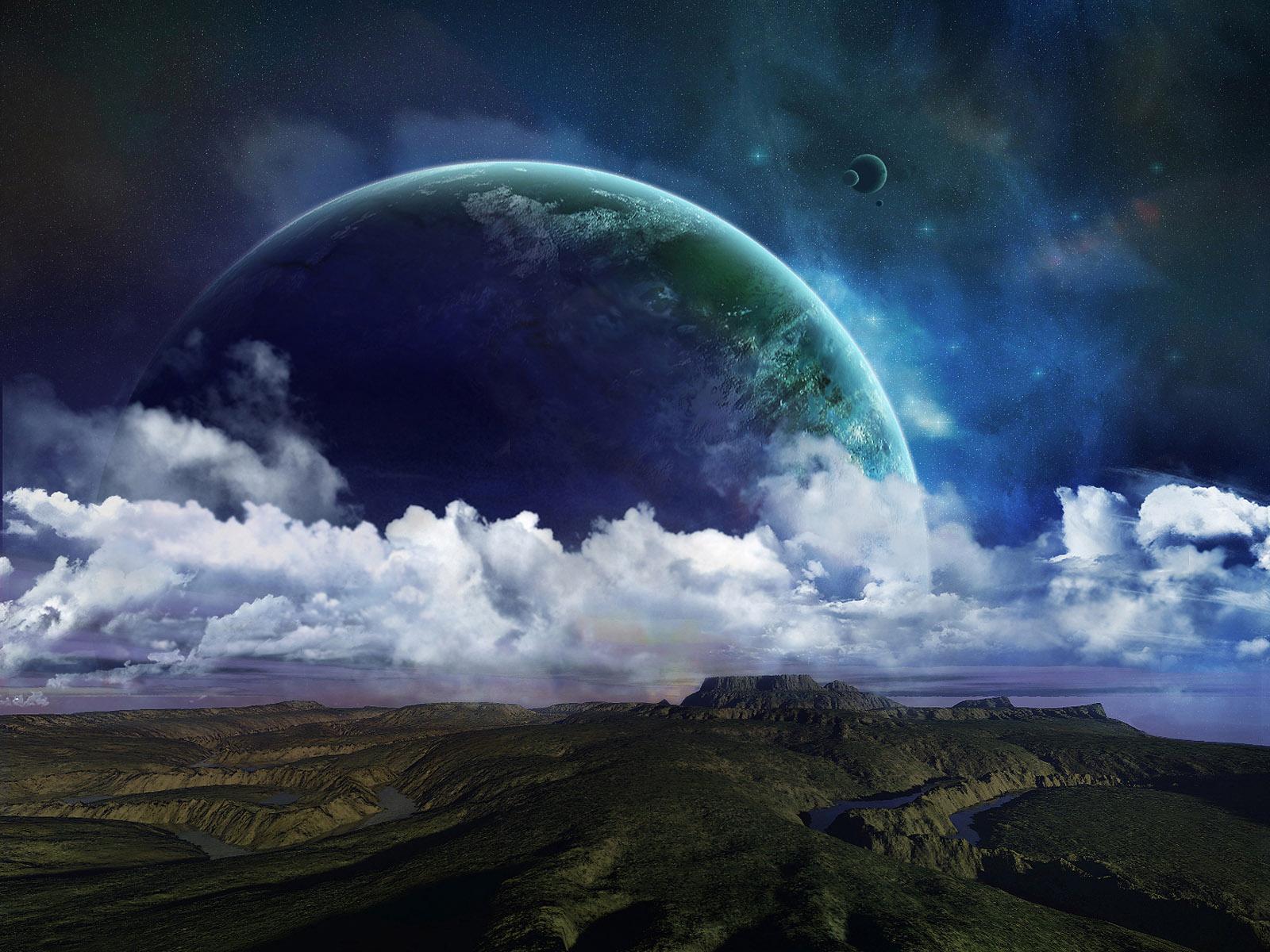 луна на фоне облаков, большая, скачать фото