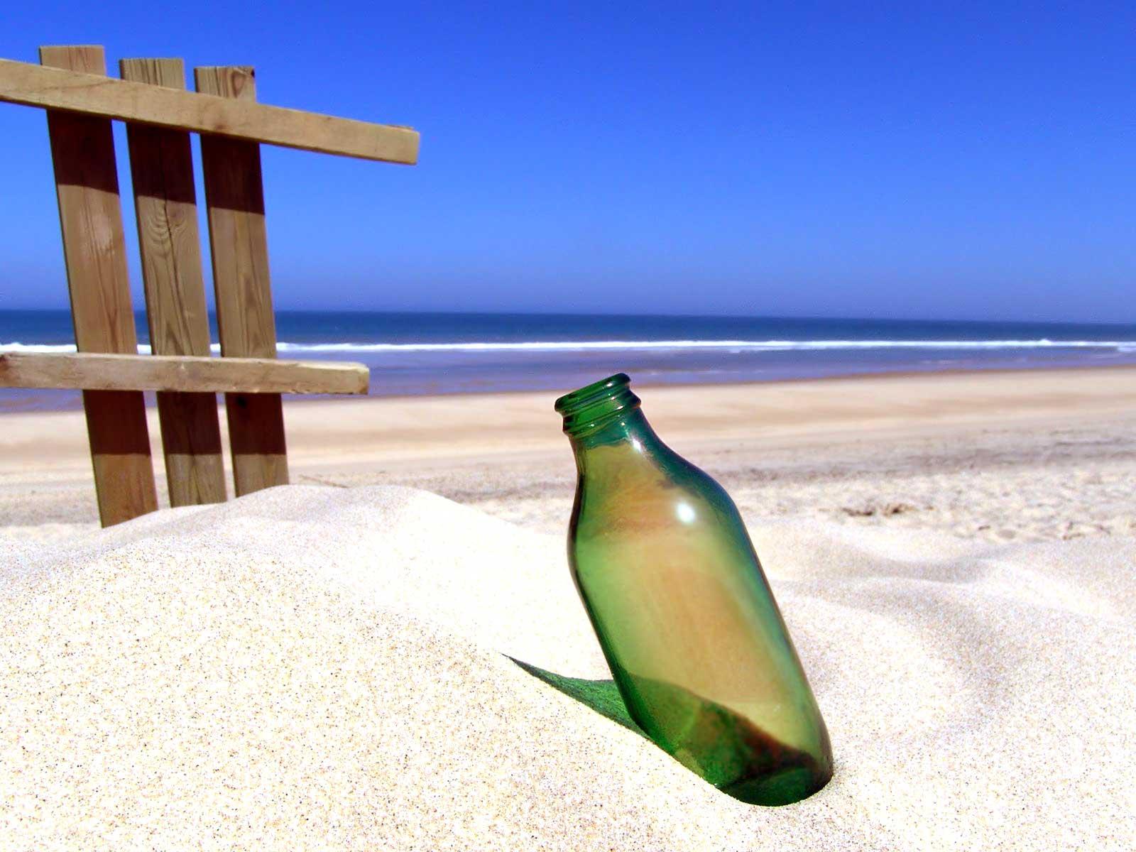 beach wallpaper, bottle, бутылка на пляже на песке, стеклянная бутылка, скачать фото