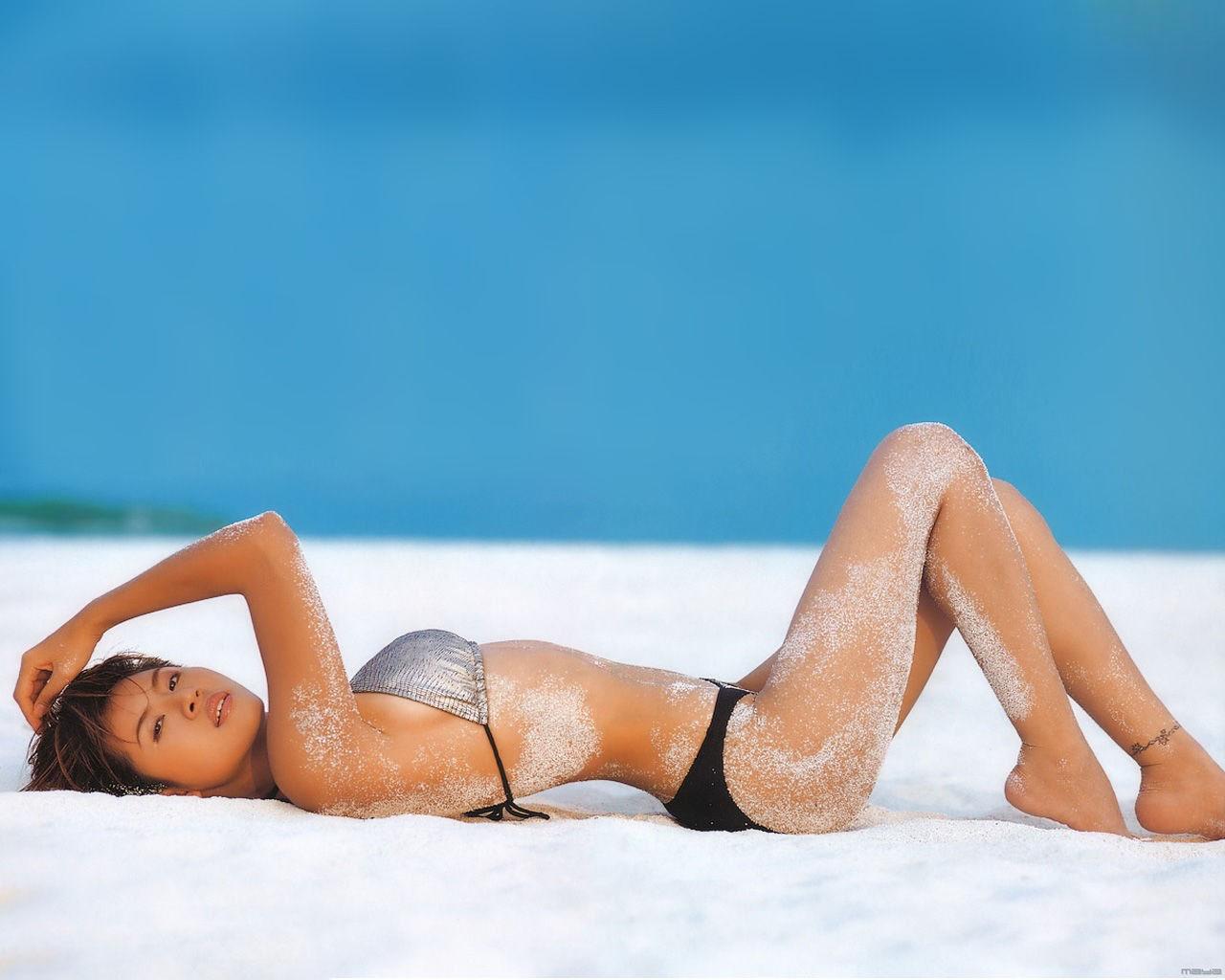 beach asian girl wallpaper, скачать фото, девушка на пляже, обои для рабочего стола, бикини