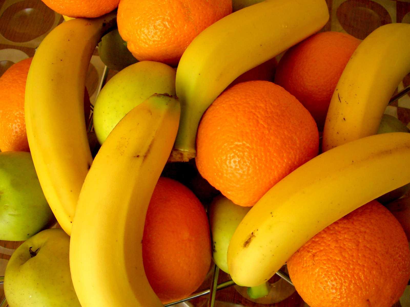 фрукты, апельсины и бананы, скачать фото, banana wallpaper, обои на рабочий стол