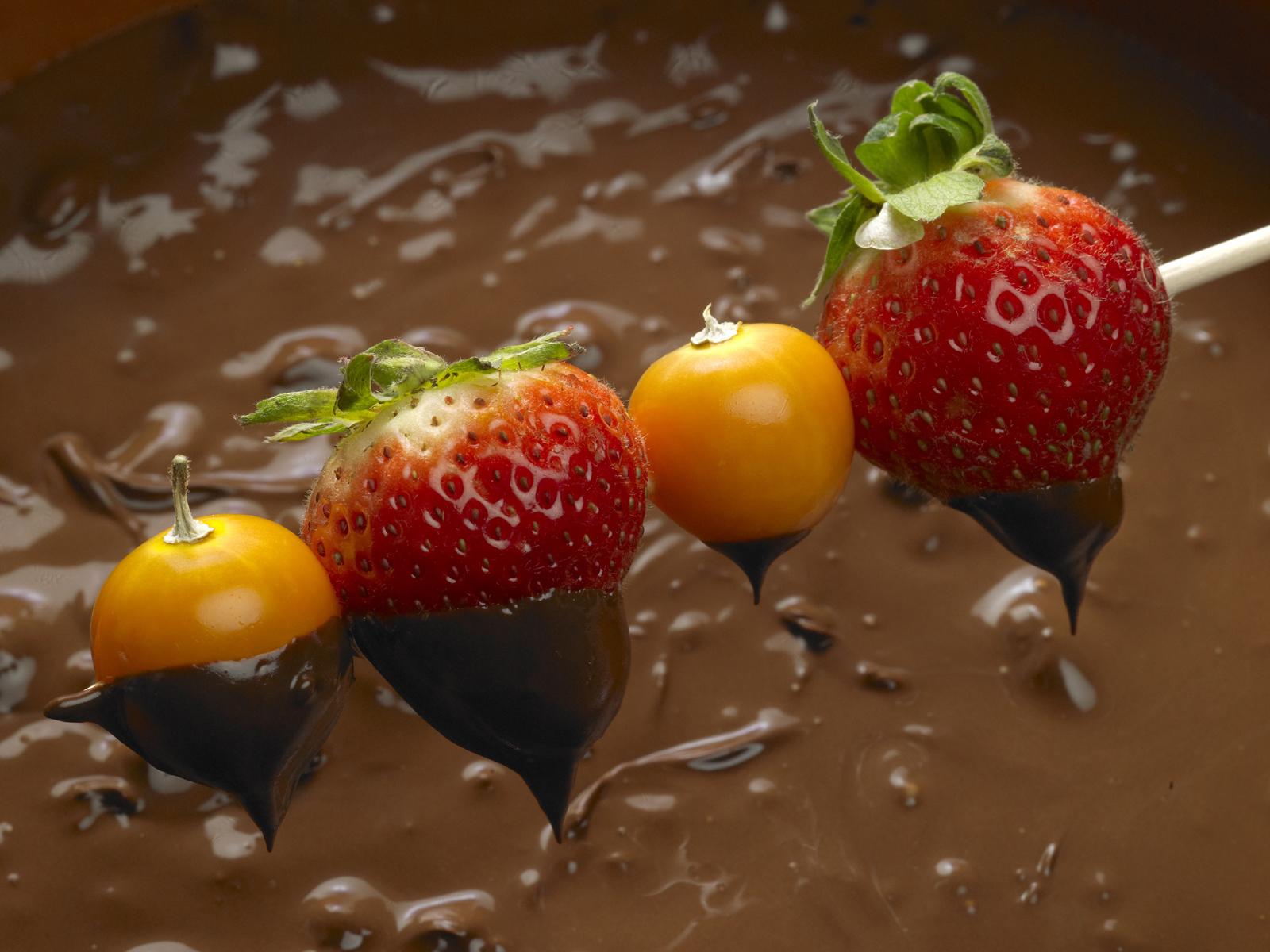 фрукты в шоколаде, скачать фото, обои для рабочего стола