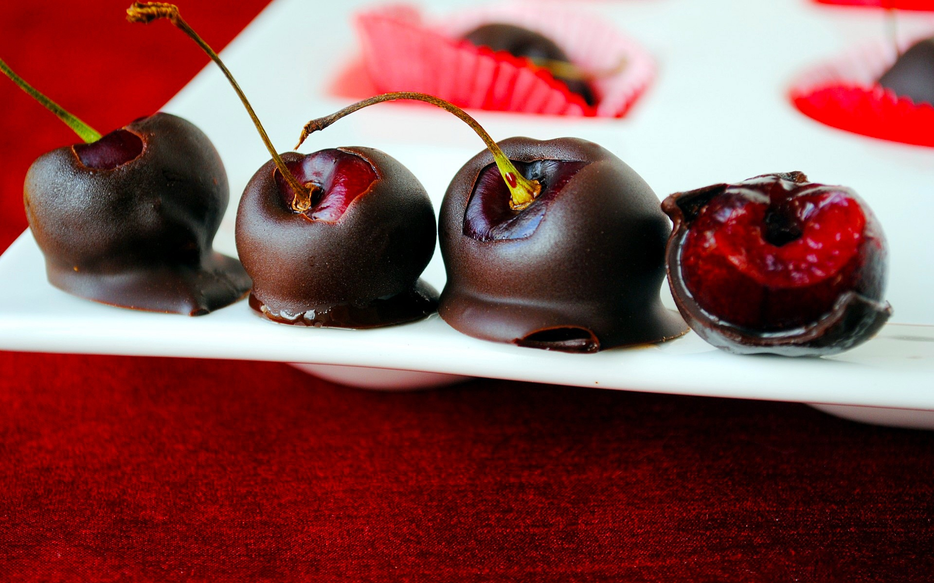 вишня в шоколаде, скачать фото