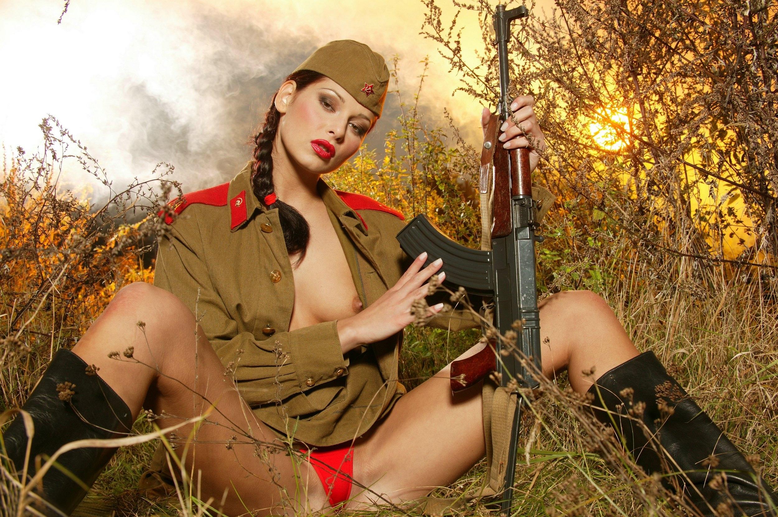 Сиськи секс в армии 15 фотография