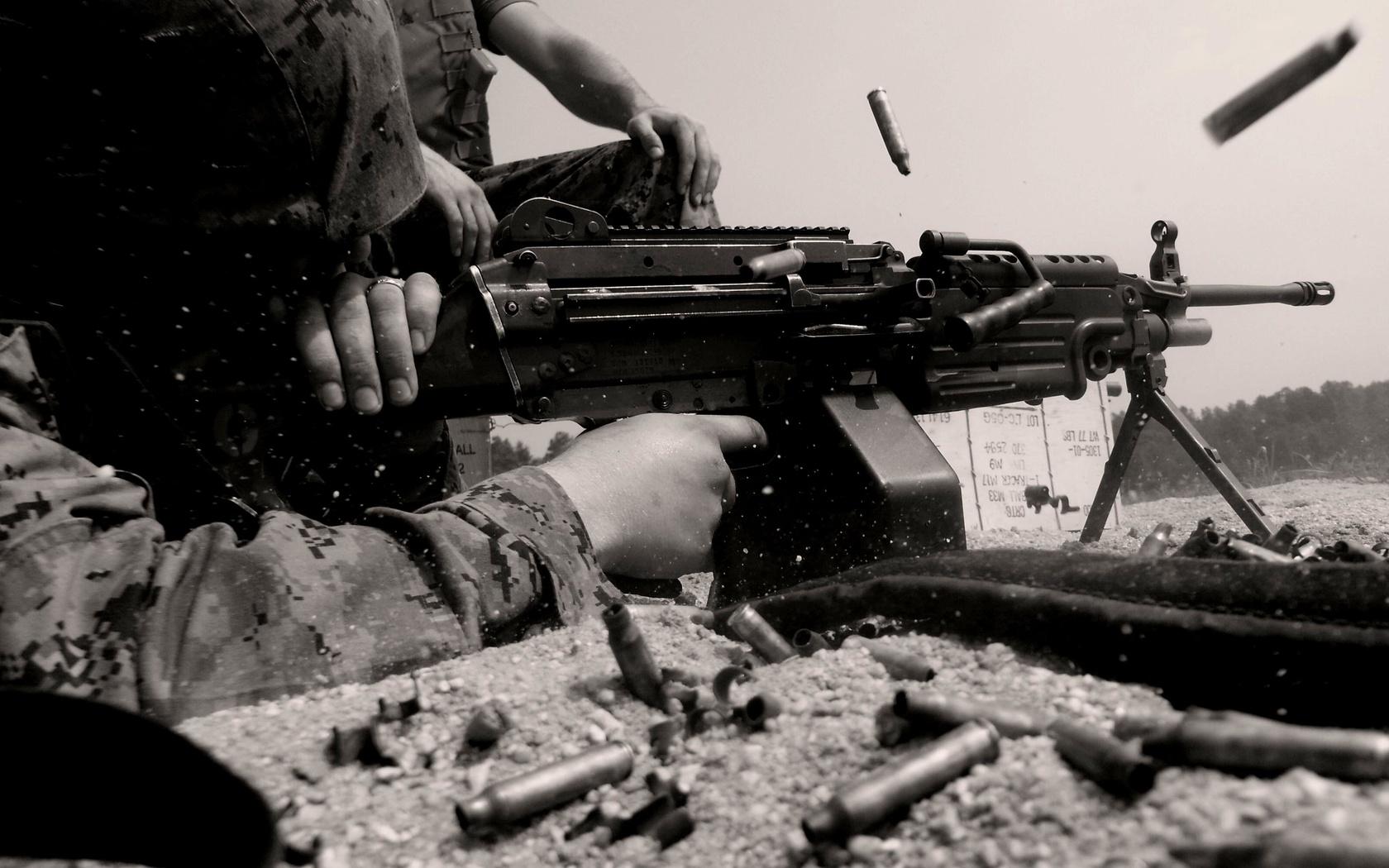 пулемет, патроны в пулеметной ленте, скачать фото, обои на рабочий стол, machine gun wallapers, weapon