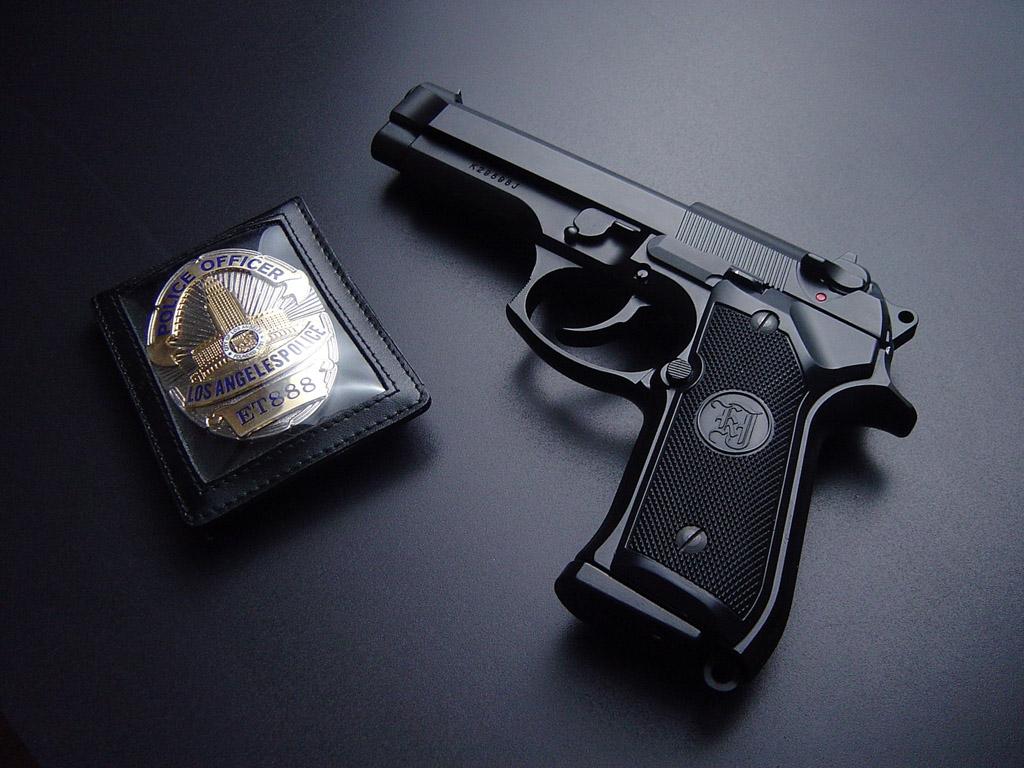 пистолет полицейский, обои для рабочего стола, скачать фото, police hand gun wallpaper