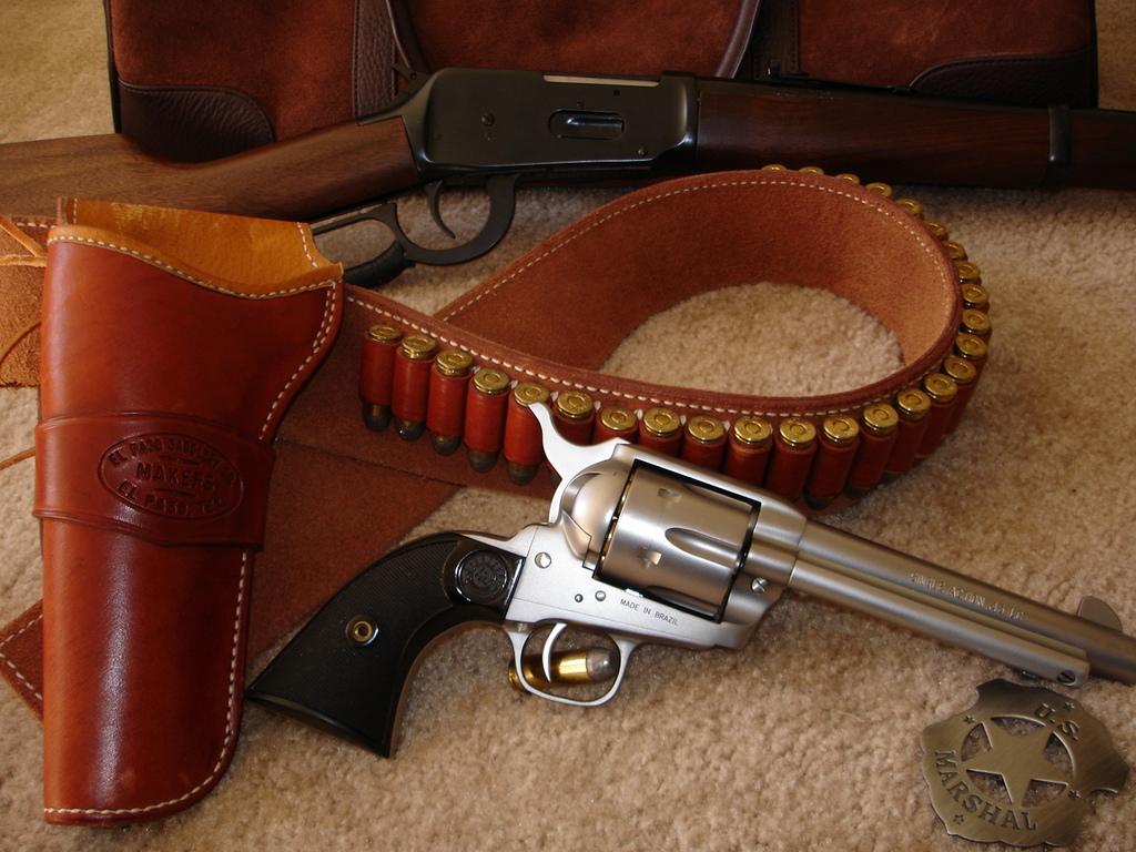 револьвер, патронташ, скачать фото, обои на рабочий стол, оружие
