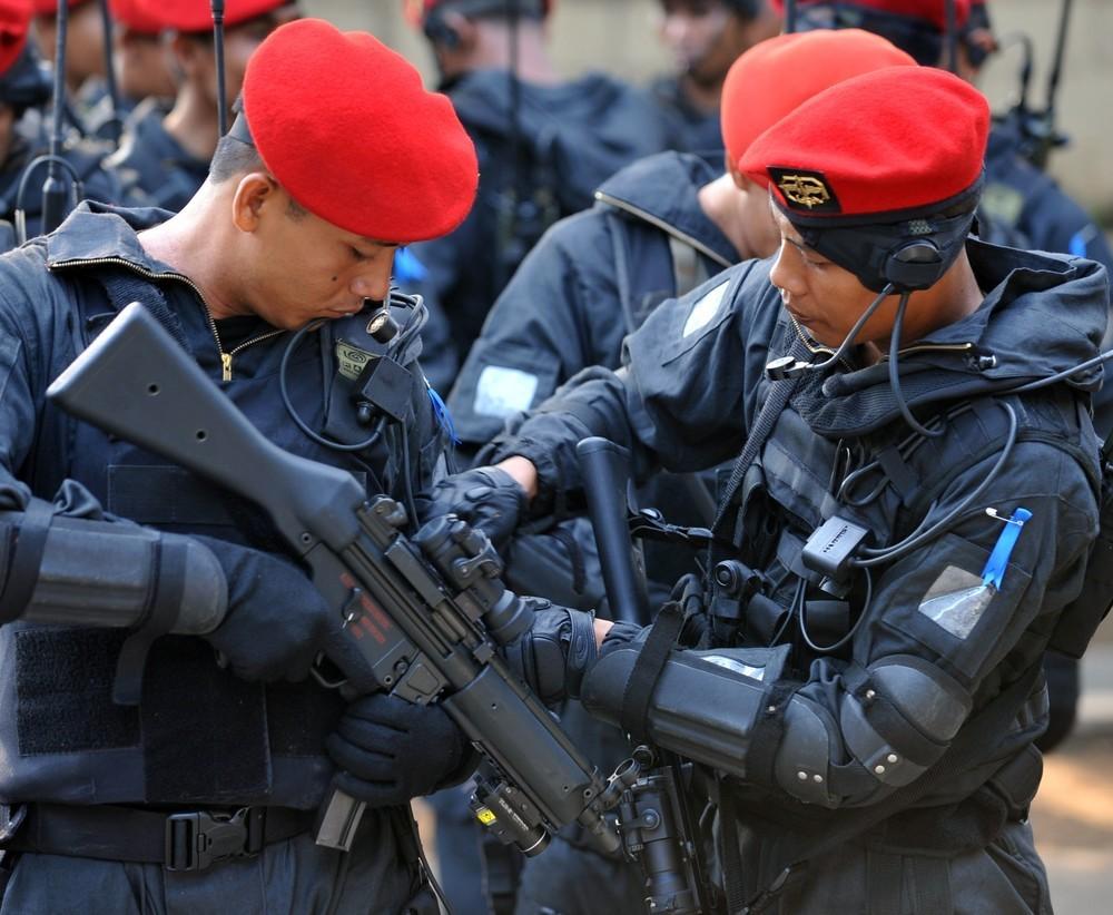 Аргентинский спецназ, красные береты, скачать фото, солдаты, обои для рабочего стола, Argentina special forces wallpaper