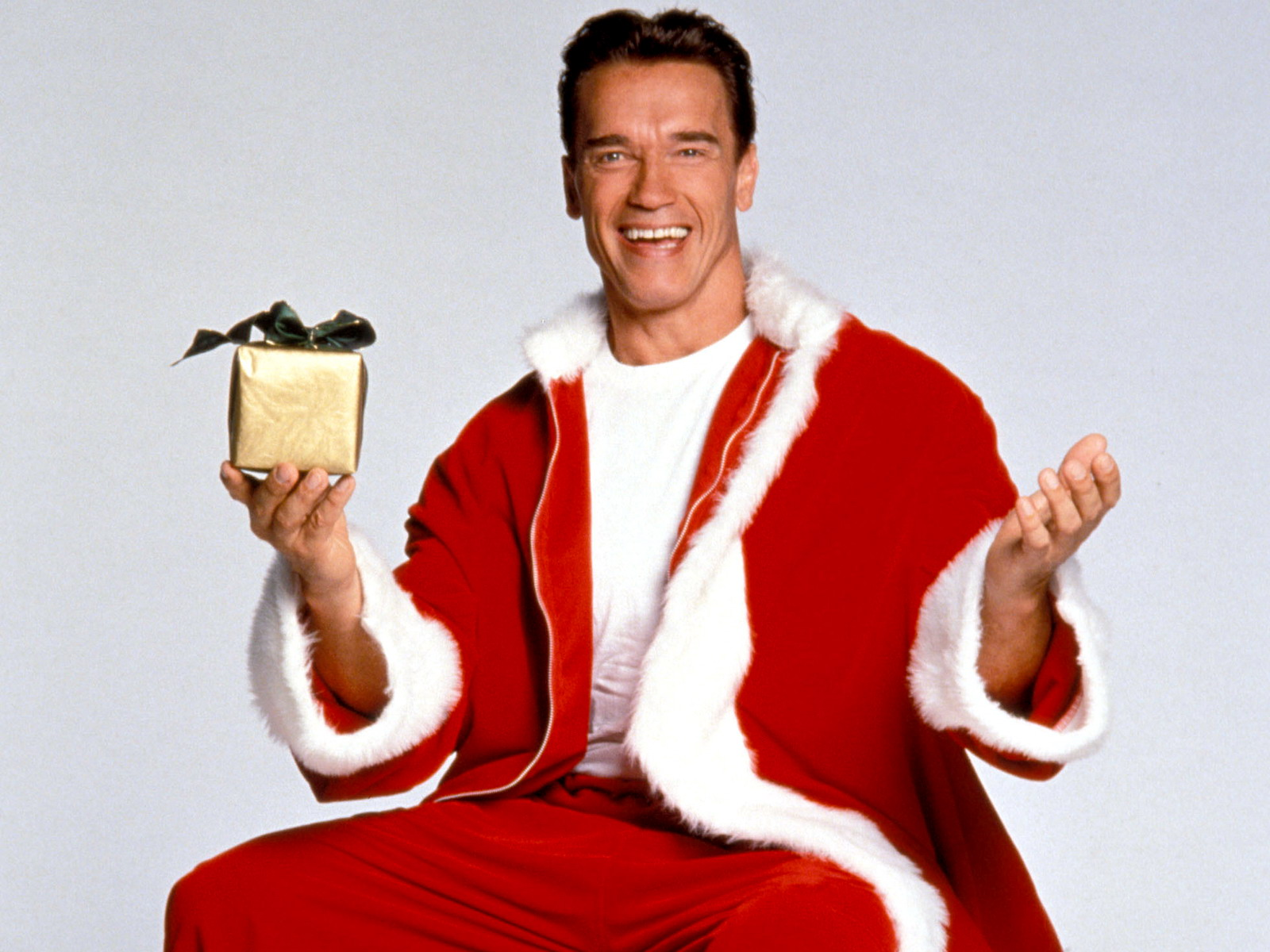 Арнольд Шварцнегер дед мороз, скачать обои на рабочий стол, Arnold Schwarzenegger Santa Claus wallpaper, фото